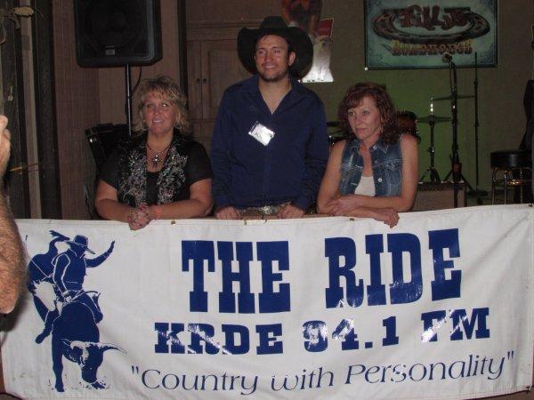 Linda Sue, Joel, & Jenny.